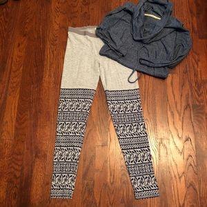 Alternative leggings, gray & navy ikat sooooo soft